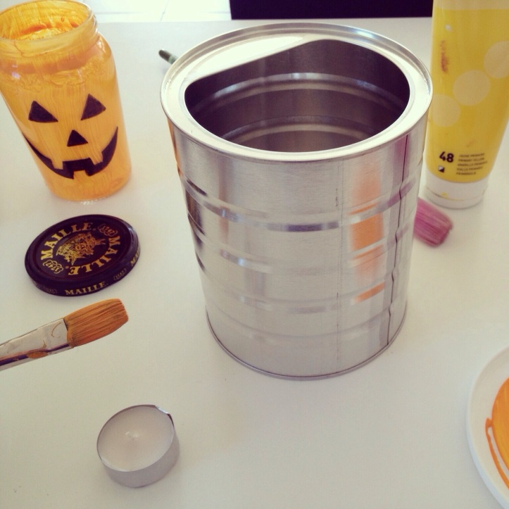 make a Halloween container from an old baby formula container