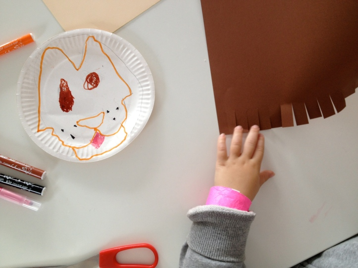 lion mask by Learn and Play en Anglais